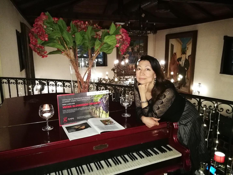 alena istileulova01 - Алёна Истилеулова: через все островки своей памяти…